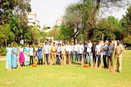 04.04.2018 - Swachh Bharat Abhiyaan organized at Wagasker Garden, Koregaon Park, Pune