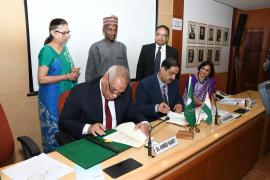 Prof. Balram Bhargava and other delegates sign an MoU with the African Union
