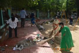 Around 20 bags of garbage were collected, segregated into biodegradable and degradable waste and handed over to the Corporation staff for disposal.